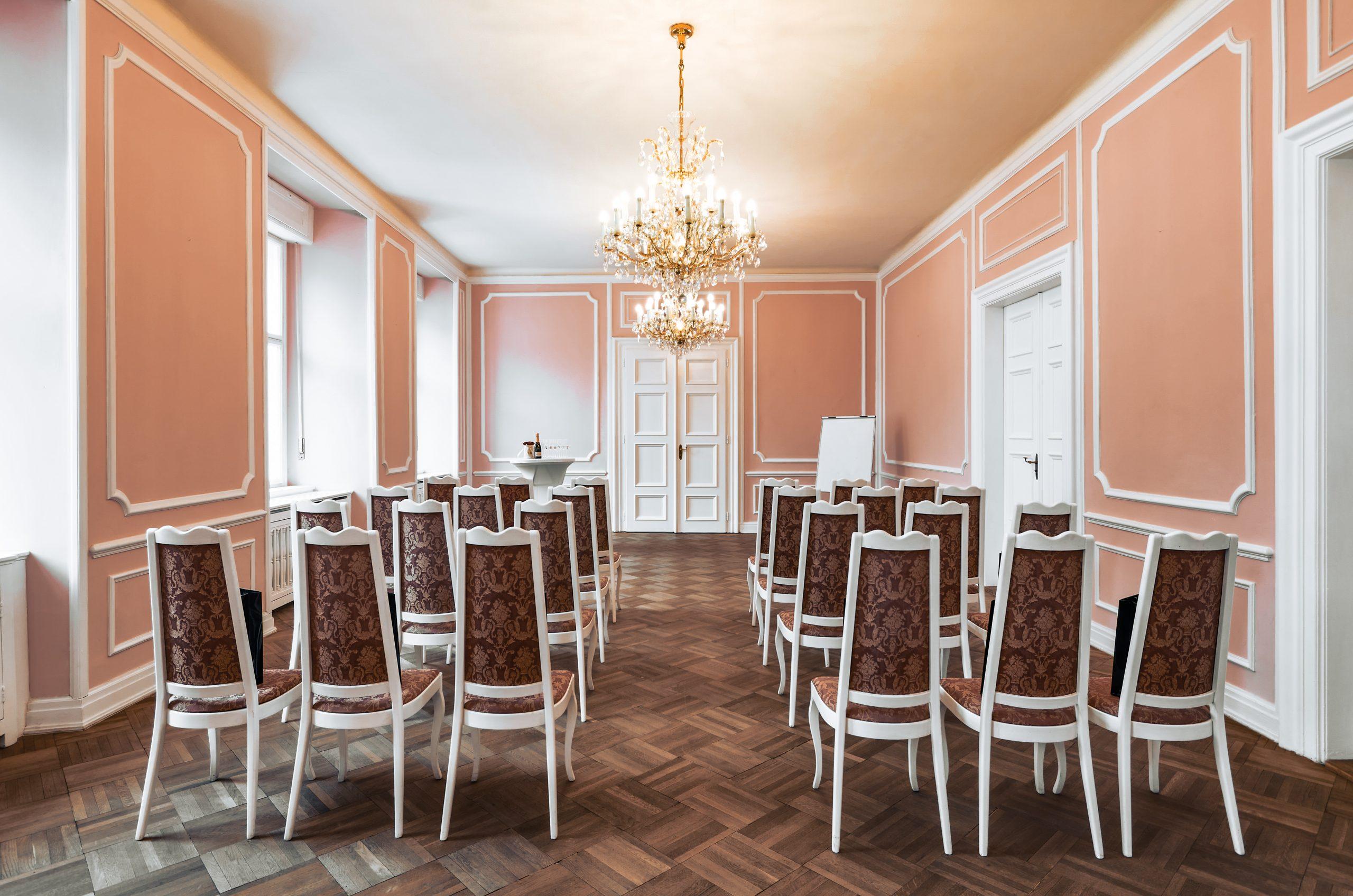 Hartigovský palác růžový sál 4